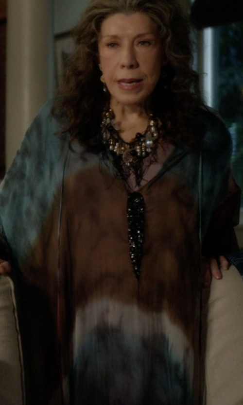Lily Tomlin with Adriana Degreas Maxi Flower Kaftan in Grace and Frankie