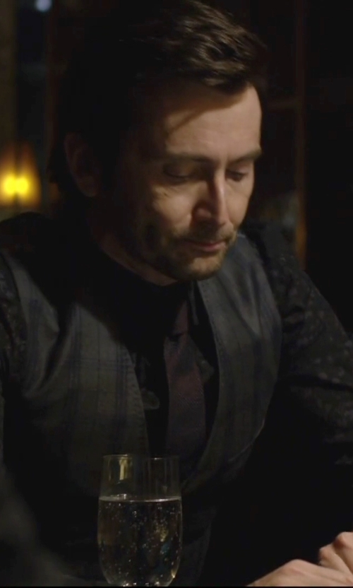 David Tennant with Selected Homme Printed Dress Shirt in Jessica Jones
