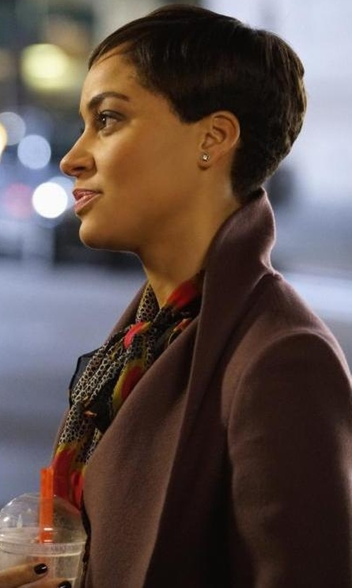 Cush Jumbo with Diane Von Furstenberg 'Havanah' Print Silk Tie Neck Blouse in The Good Fight