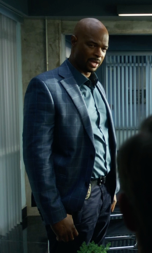 Damon Wayans with Armani Collezioni  Wide Checked Sportcoat in Lethal Weapon
