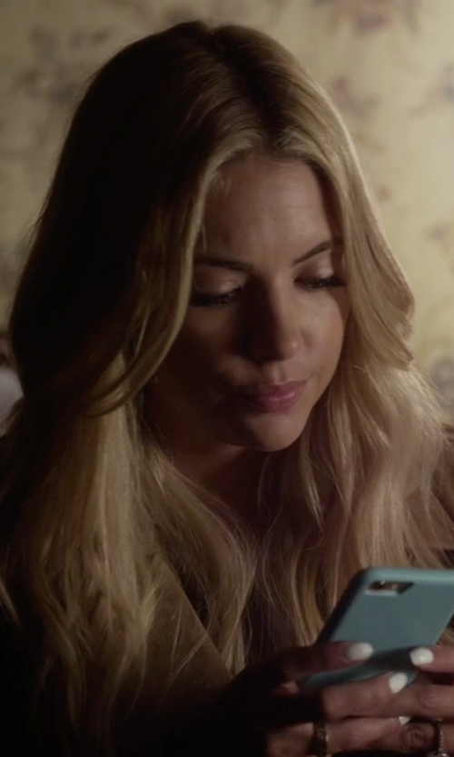 Ashley Benson with Vena Ultra Slim Fit Hard Polycarbonate Case in Pretty Little Liars