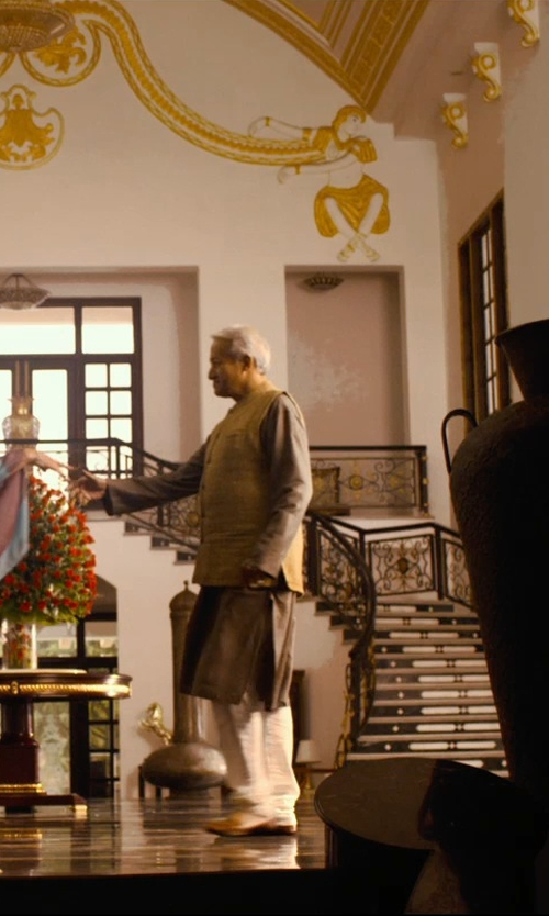 Richard Gere with Exotic India Woven Checks Kurta Pajama Set in The Second Best Exotic Marigold Hotel