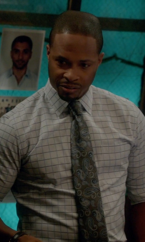 Cornelius Smith Jr. with David Donahue Paisley Silk Tie in Scandal