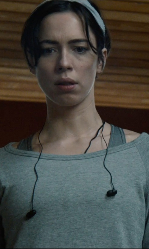 Rebecca Hall with Nocs NS500 Earphones in The Gift