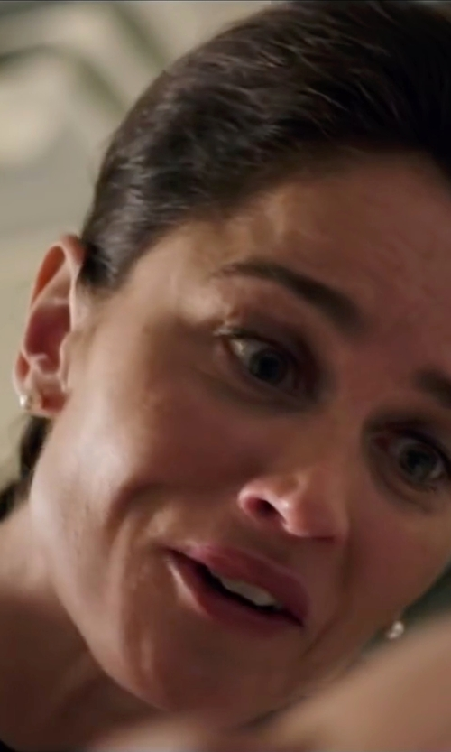 Robin Tunney with Jane Basch Designs Diamond & Initial Pendant Necklace in My All American