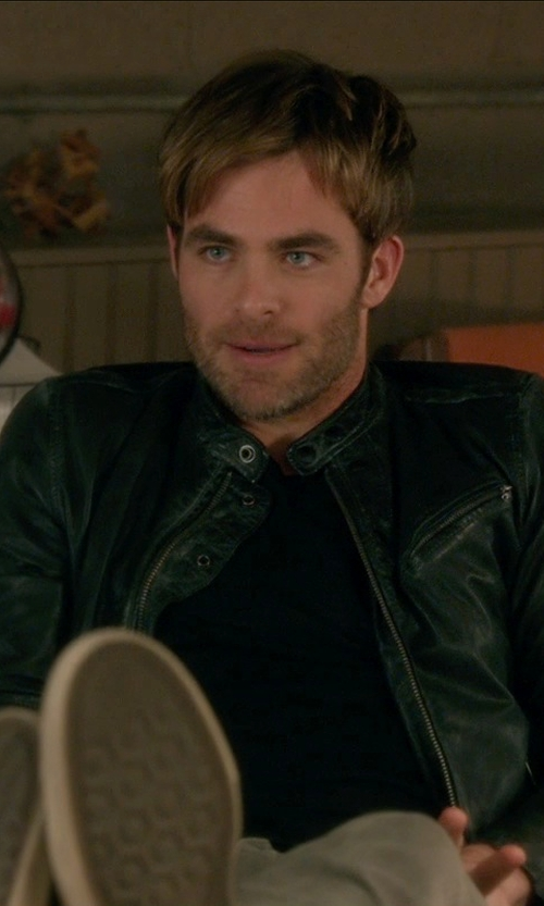 Chris Pine with Diesel D-Velows D-String Sneakers in Horrible Bosses 2
