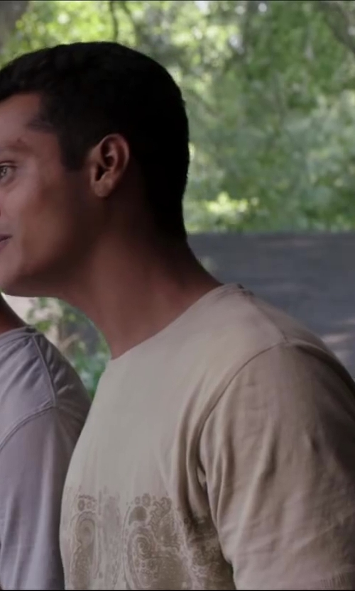 Madhur Mittal with Perry Ellis Men's Luxe Crew Neck T-Shirt in Million Dollar Arm