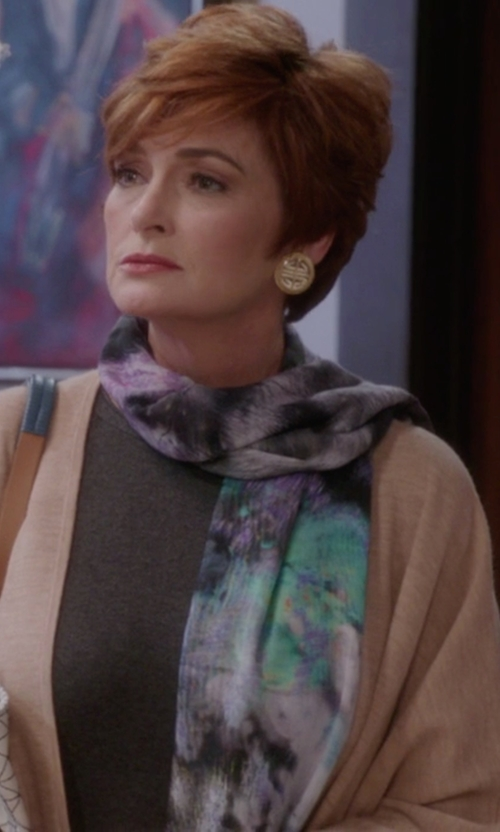 Carolyn Hennesy with Austin Reed Floral Print Cotton Modal Scarf in The Mindy Project