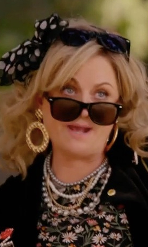 Amy Poehler with Jose & Maria Barrera Hammered Open Hoop Drop Clip Earrings in Wet Hot American Summer: Ten Years Later