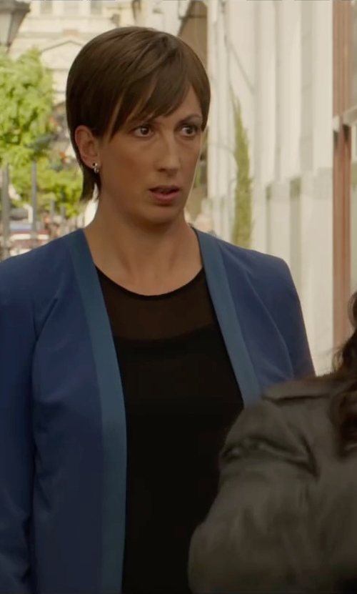 Miranda Hart with Ellen Tracy Two-Tone Crepe Blazer in Spy