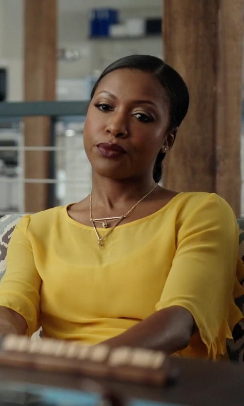 Gabrielle Dennis with Zoë Chicco Diamond Open Triangle Necklace in Rosewood