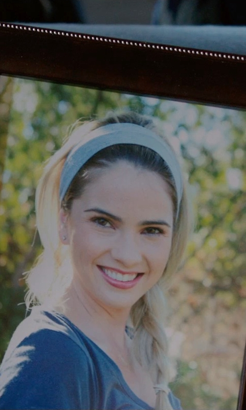 Shelley Hennig with L. Erickson Silk Head Wrap in Ouija
