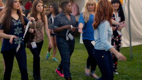 Ester Dean with New York & Company Chambray Jumpsuit in Pitch Perfect 2