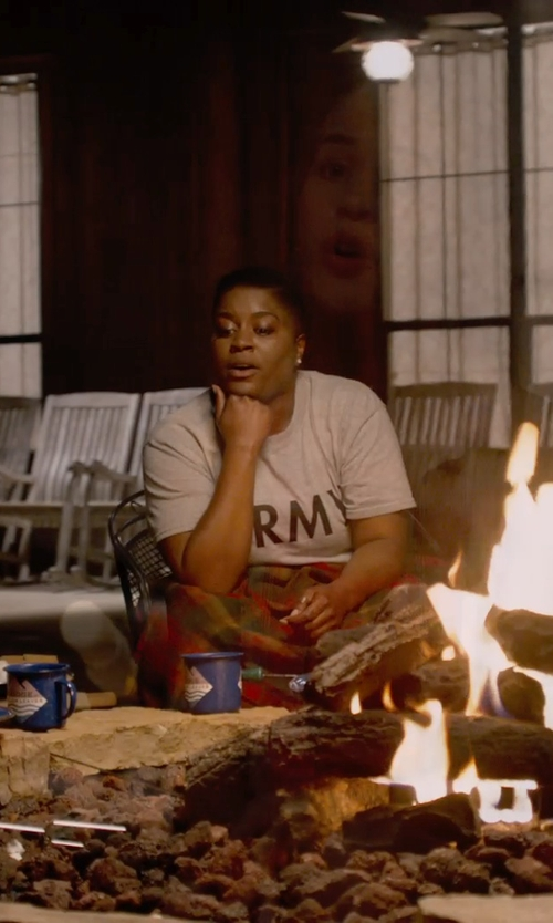 Ester Dean with Big Texas Womens Combed Cotton T-Shirt in Pitch Perfect 2