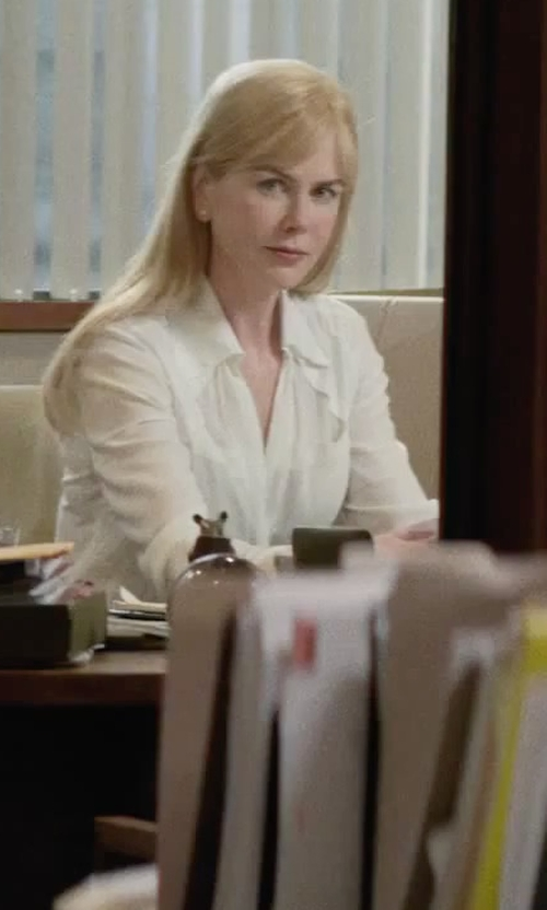 Nicole Kidman with Bella Dahl Soft Tencel Button Front Shirt in Secret in Their Eyes