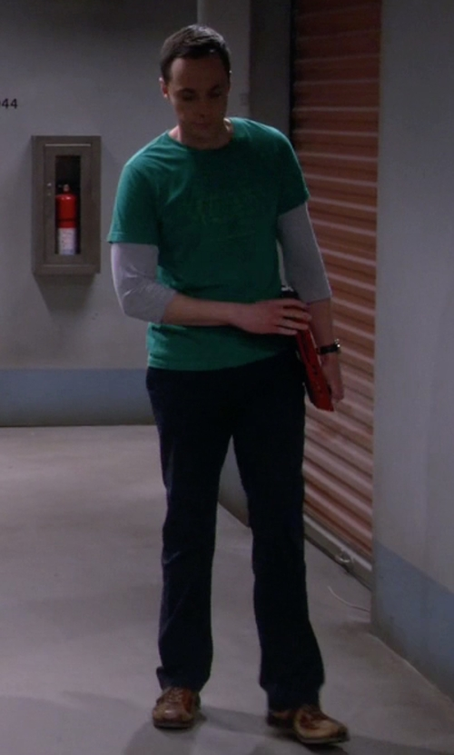 Jim Parsons with Ecco Yak Natural Sneakers in The Big Bang Theory