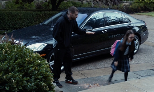 Jake Gyllenhaal with Ford Taurus Sedan in Southpaw
