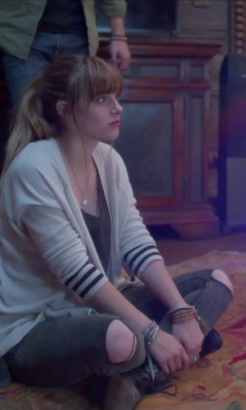 Aubrey Peeples with Topshop Ripped Joni Jeans in Jem and the Holograms