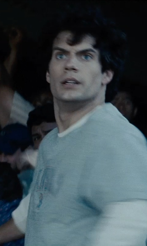 Henry Cavill with James Perse Long-Sleeve T-Shirt in Man of Steel