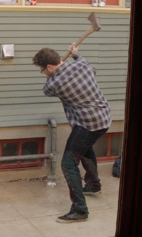 Seth Rogen with Vans Vulcanized Skate Shoes in Neighbors