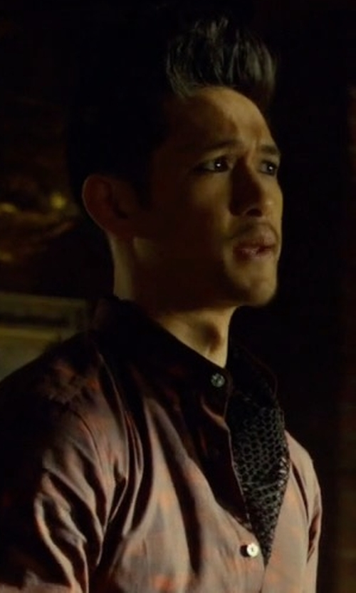 Harry Shum Jr. with Forzieri Large Paisley Print Silk Ascot in Shadowhunters