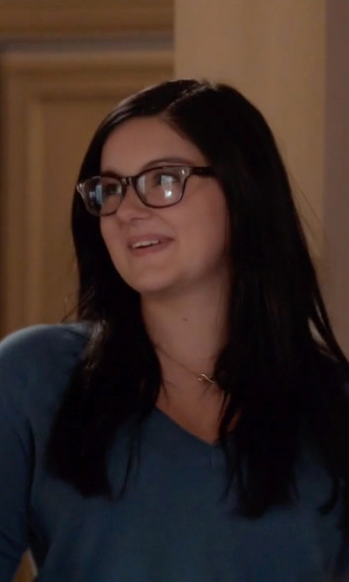 Ariel Winter with Dogeared 'Reminder - Infinite Love' Pendant Necklace in Modern Family