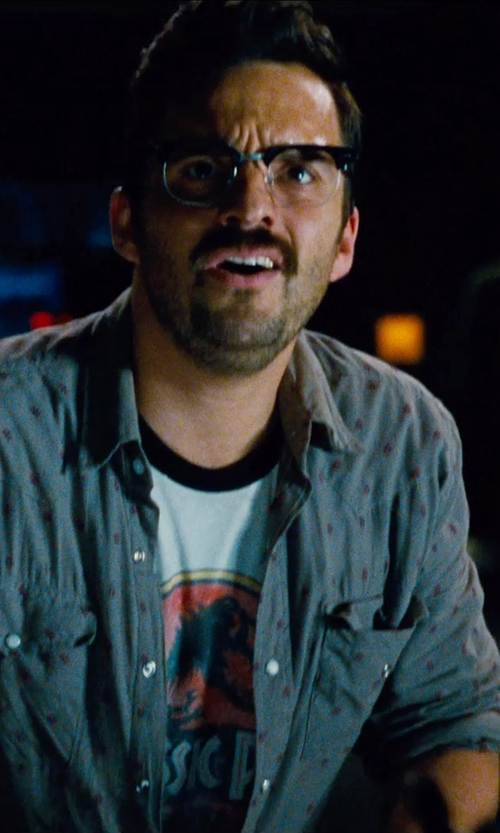 Jake Johnson with Old Focals 'Historian' Black Silver Eyeglass in Jurassic World