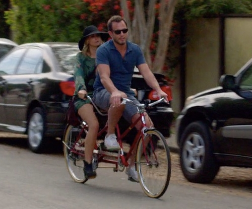 Will Arnett with Schwinn Twinn Deluxe Tandem Bike in Flaked