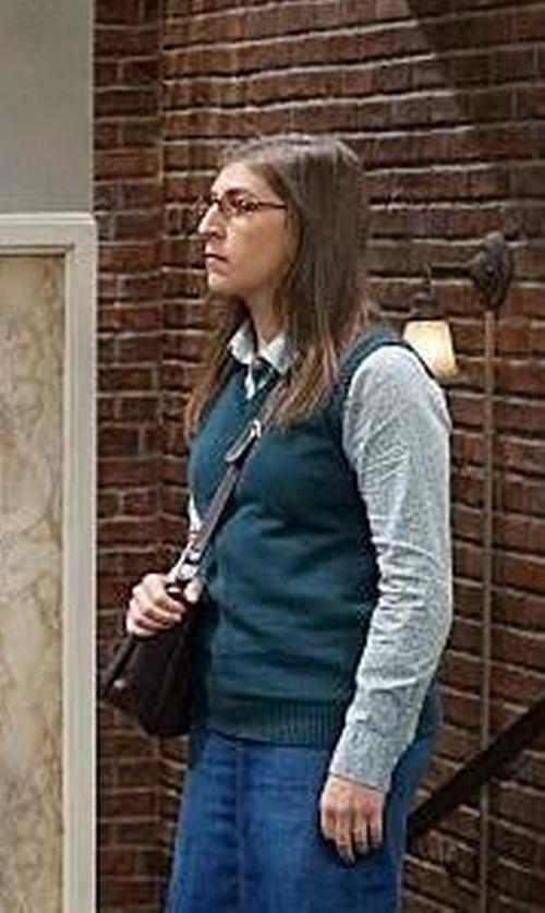 Mayim Bialik with Carhartt Woven Shirt in The Big Bang Theory