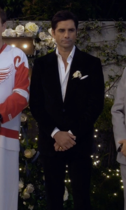John Stamos with Boss Hugo Boss Two Piece Suit in Fuller House