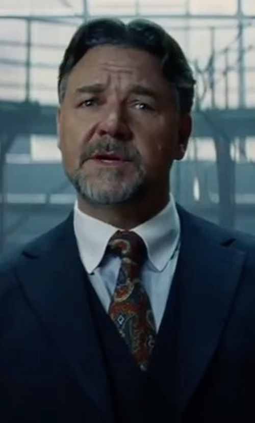 Russell Crowe with Ermenegildo Zegna Large Pine Paisley-Print Tie in The Mummy