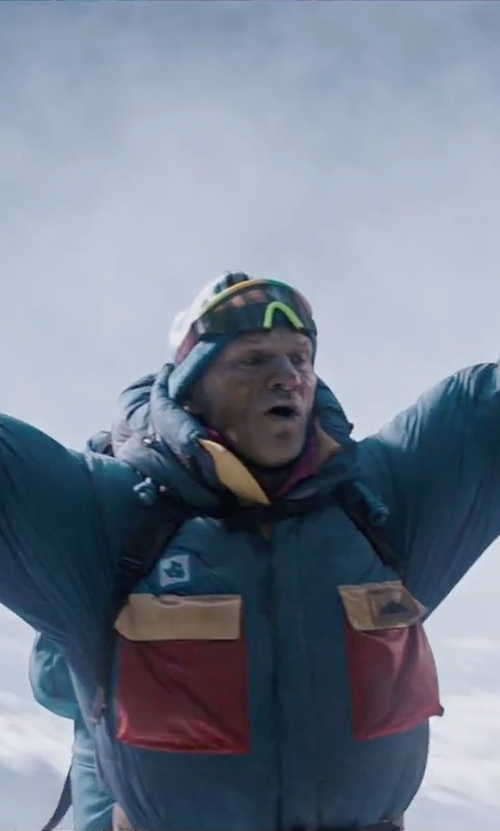 Ingvar Eggert Sigurðsson with Neff Daily Solid Beanie in Everest