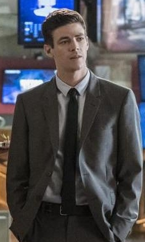Grant Gustin with Andersons Leather Belt in The Flash