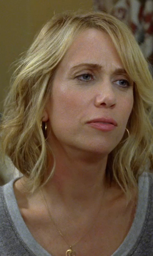 Kristen Wiig with Bony Levy Gold Hoop Earrings in Bridesmaids