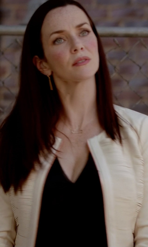 Annie Wersching with Halston Heritage Sleeveless Plunging V-Neck Top in The Vampire Diaries