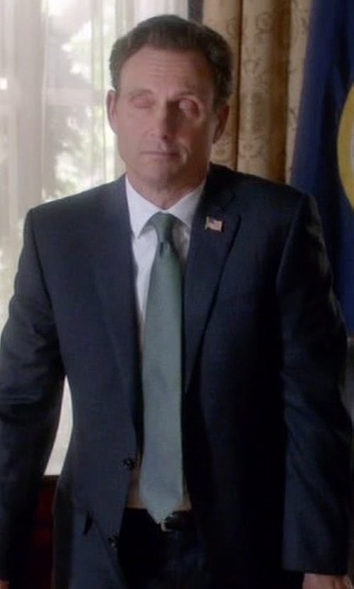 Tony Goldwyn with Drakes Solid Textured Wool Tie in Scandal