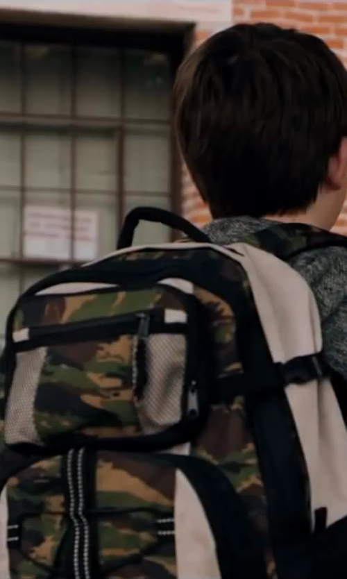Jacob Timothy Manown with HERSCHEL Pop Quiz Camouflage Backpack in Walk of Shame