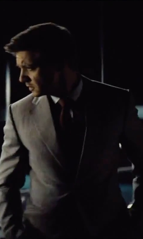Jeremy Renner with Brioni Solid Silk Satin Tie in Mission: Impossible - Rogue Nation