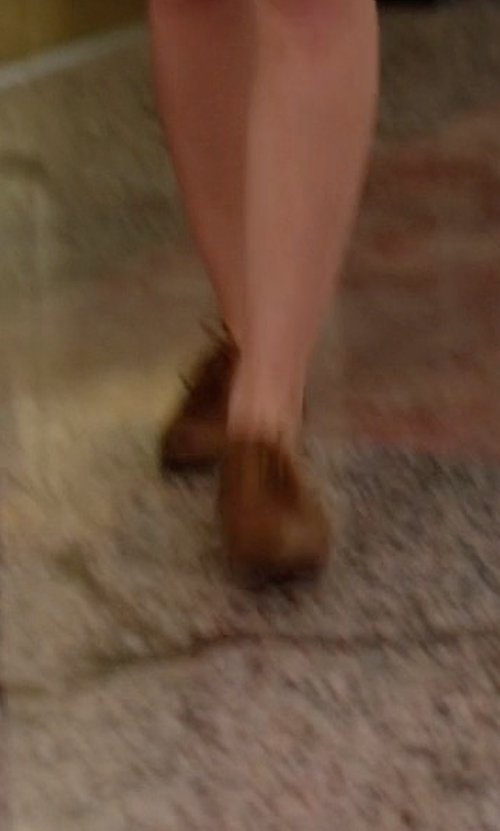Melissa Benoist with Sesto Meucci Naxos Woven Leather Oxford Shoes in Supergirl