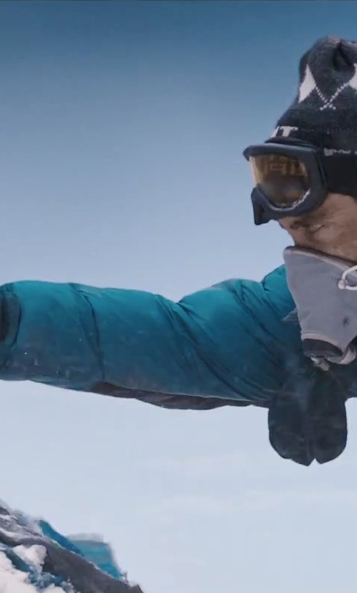 Jake Gyllenhaal with Salomon Thermo Gloves in Everest