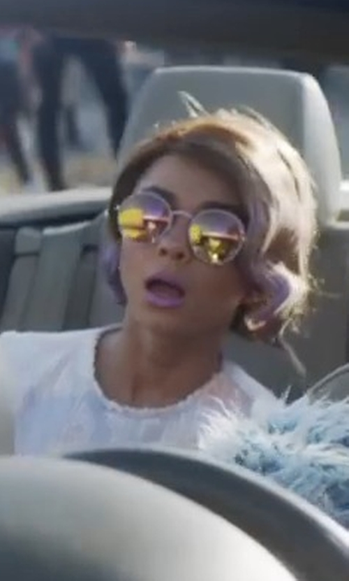 Sarah Hyland with Garrett Leight Wilson Sunglasses in XOXO