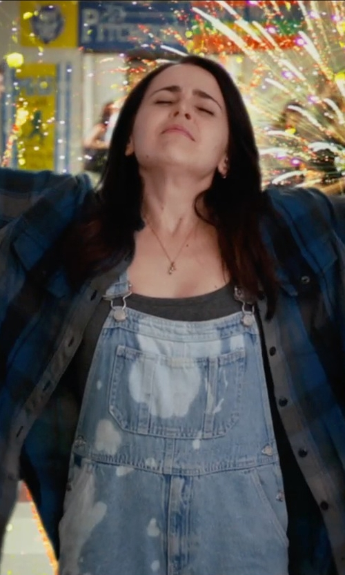 Mae Whitman with LNA Racer Back Tank Top in The DUFF