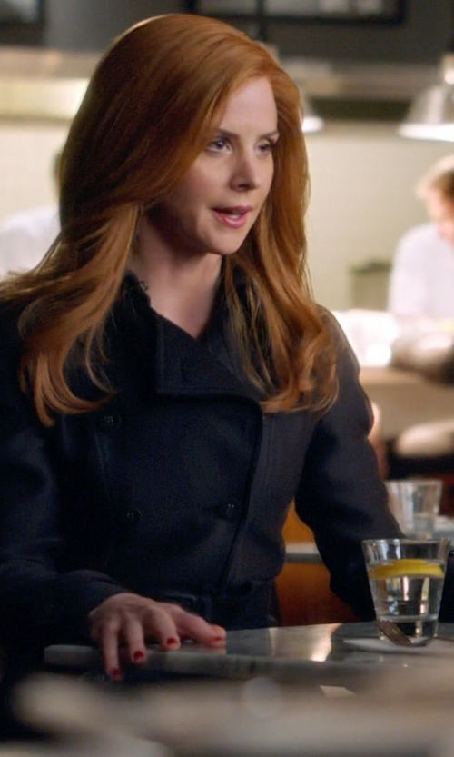 Sarah Rafferty with Burberry London Kensington Mid-Length Heritage Trench Coat in Suits