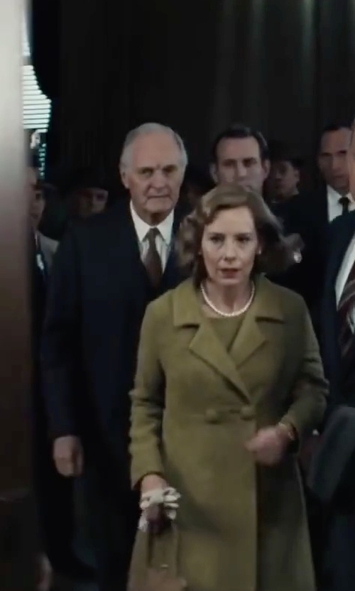 Alan Alda with Hickey Freeman Solid Two-Button Two-Piece Suit in Bridge of Spies