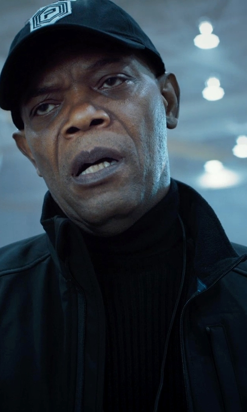 Samuel L. Jackson with Brooks Brothers Saxxon Wool Turtleneck Sweater in Barely Lethal