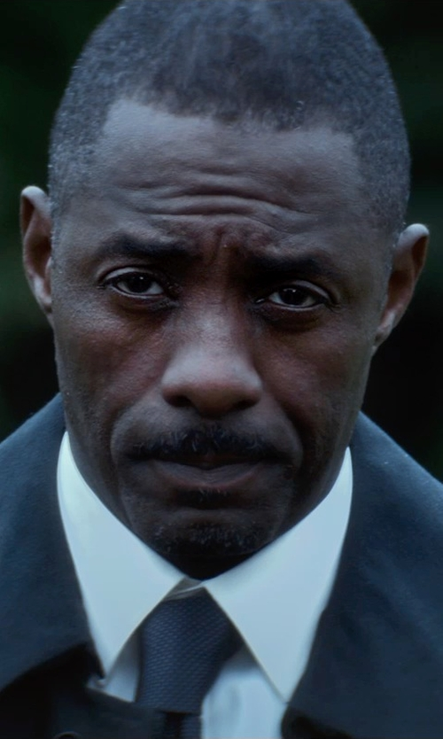 Idris Elba with Lands End Woven Donegal Grenadine Necktie in The Gunman