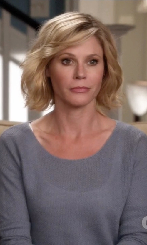 Julie Bowen with Soft Joie Berni Drop Shoulder Sweater in Modern Family
