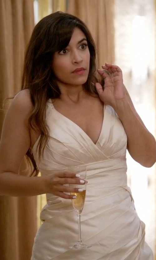 Hannah Simone with Lana Bisset from Camille La Vie Lace V-Neck Wedding Dress in New Girl