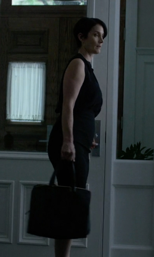 Carrie-Anne Moss with Persaman New York Natalie Leather Satchel Bag in Jessica Jones