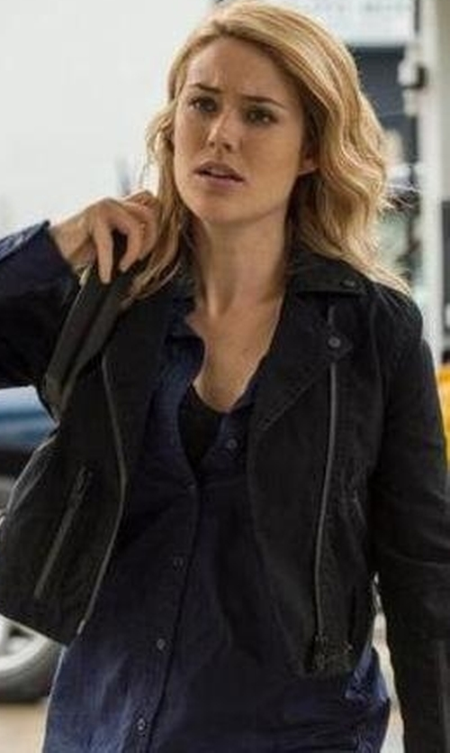 Megan Boone with Frank & Eileen Long-Sleeve Eileen Cotton Shirt in The Blacklist